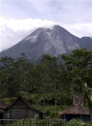 indonesia volcano-mount merapi