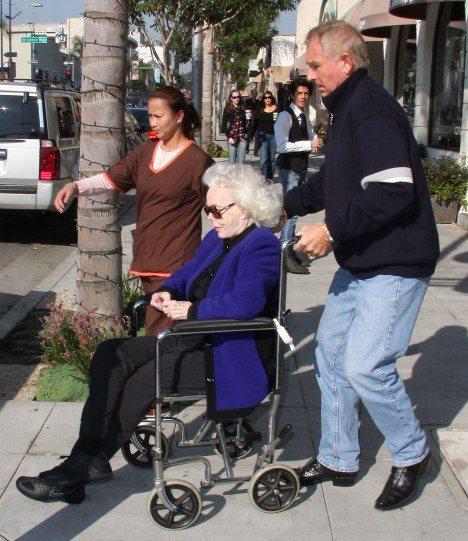 Zsa Zsa Gabor wheelchair