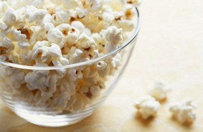 6 Simple ways to make homemade popcorn healthier