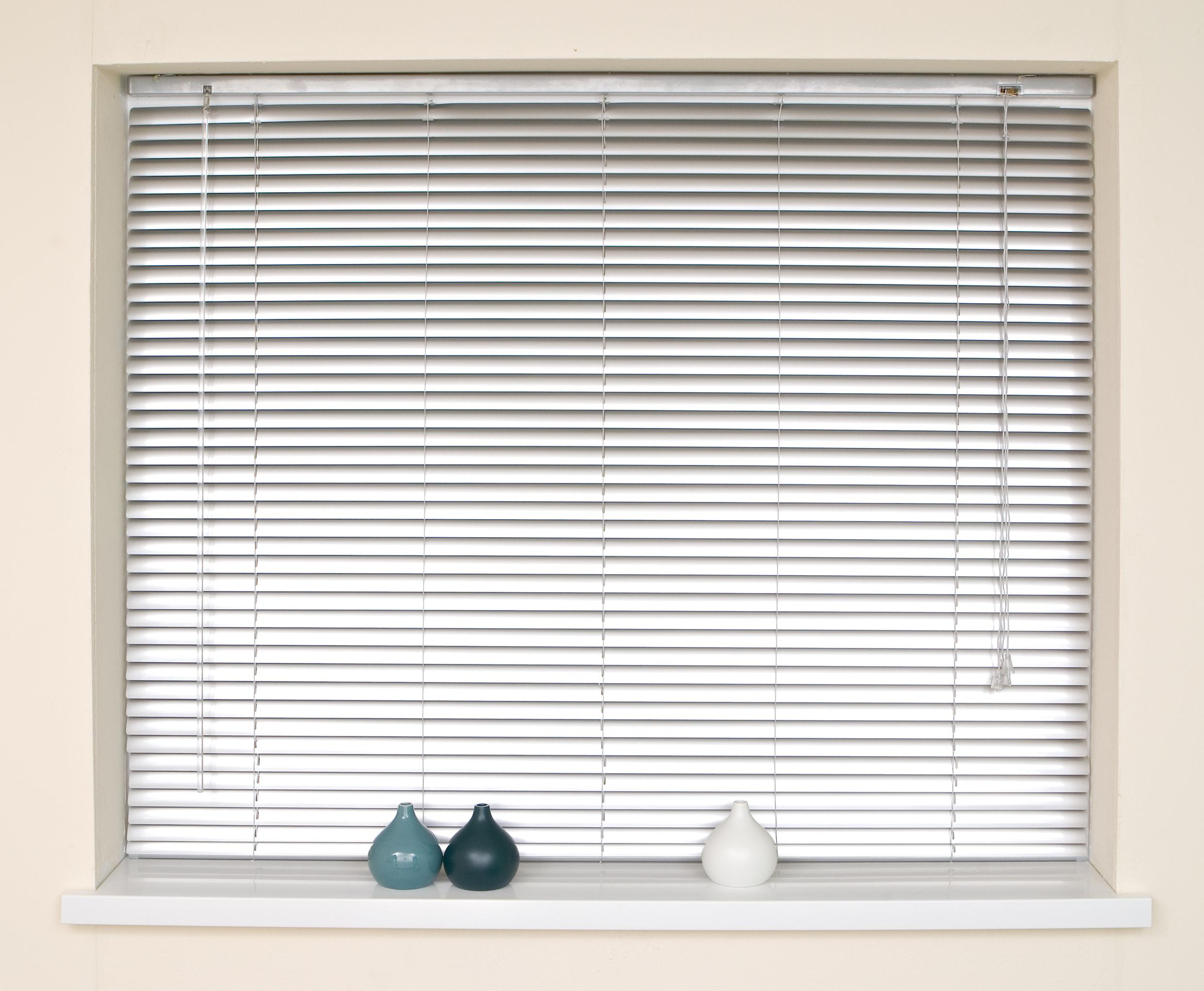 ways to clean blinds at home