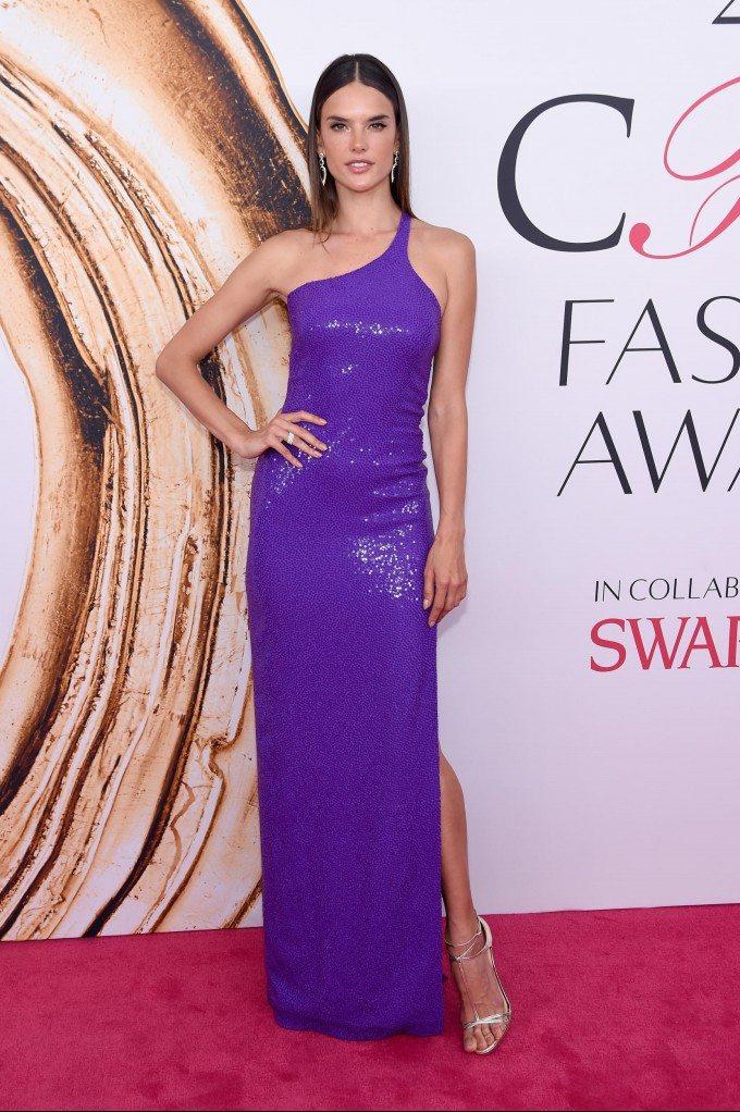 Alessandra-Ambrosio-cfda-awards-2016