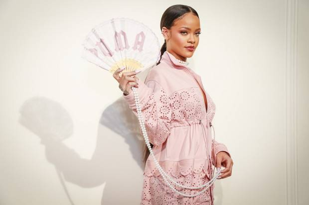 rihanna_fenty_x_puma_paris_fashion_week_3