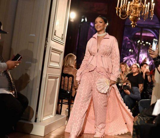 rihanna-at-fenty-x-puma-by-rihanna-fashion-show-at-paris-fashion-week