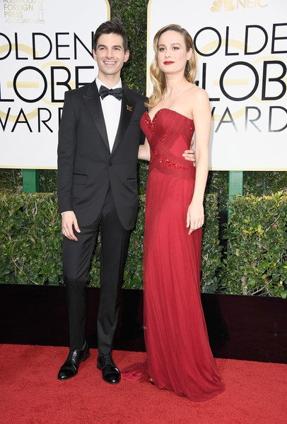 alex_greenwald_brie_larson_golden_globes_2017