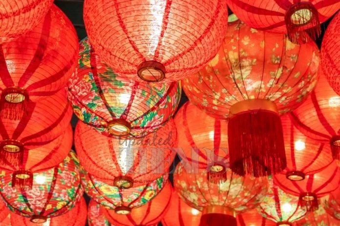 red_chinese_lanterns