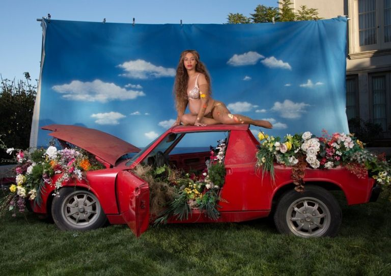 beyoncé-maternity-shoot-17
