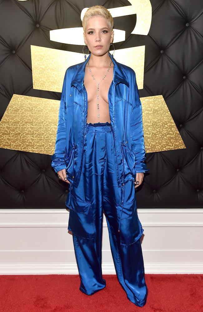 halsey-grammy-awards-2017-red-carpet