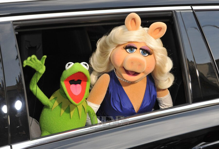 Kermit the Frog with Miss Piggy