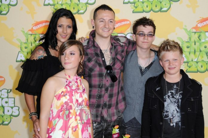 Chester Bennington, Talinda and family