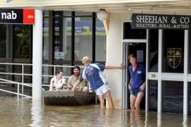 Floods Strike Queensland Australia, Forces Mass Evacuation