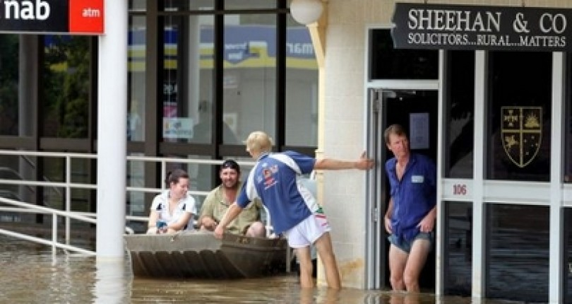 Floods Strike Queensland Australia, Forces Mass Evacuation